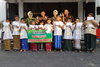 Kejari Sidoarjo Kirimkan Sepuluh Anak Peserta Khitan HBA