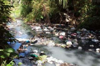 Sungai-sungai di Pesisir Trenggalek Rusak Tercemar Limbah Pindang