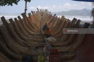 Pembuatan Kapal Kayu Tradisional