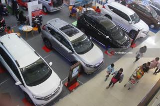 Penjualan Mobil Terdampak Melemahnya Rupiah