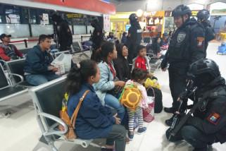 Polisi Sisir Stasiun Pasar Turi Antisipasi Terorisme