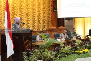 Risma Gelar Rapat Tiga Pilar Cegah Terorisme di Surabaya