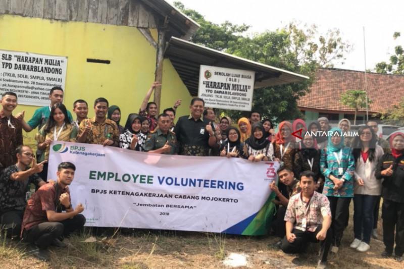 BPJS Ketenakerjaan Ajak SLB Belajar Hidup Bersih
