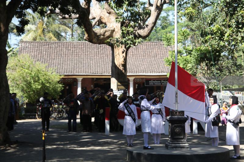 Upacara Bendera Situs Persada Soekarno
