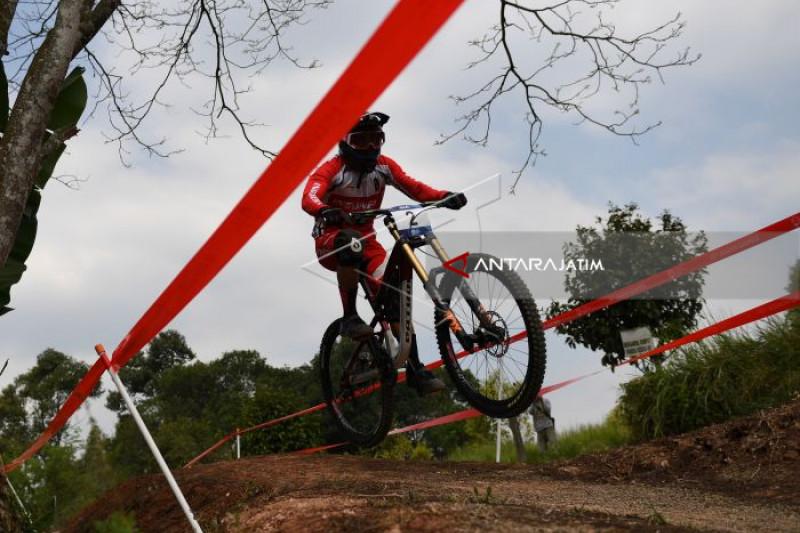 Asian Games - Indonesia Amankan Dua Medali Emas Balap Sepeda Downhill