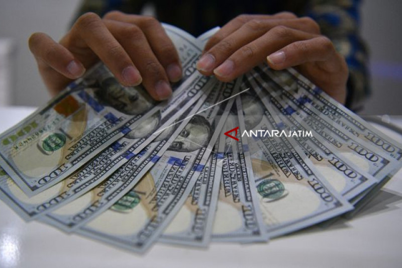 Dolar AS Turun Tipis