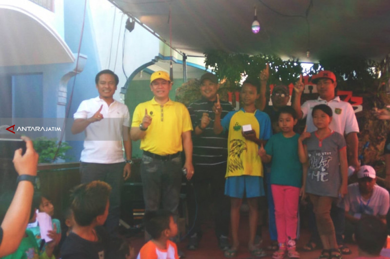 Tiga Bacaleg Golkar Kolaborasi Gelar Jalan Sehat di Surabaya