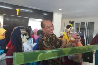 UM Surabaya Donasikan Mainan Edukatif untuk Anak Korban Gempa