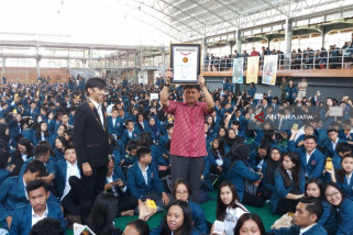 Mahasiswa Ubaya Pecahkan Rekor MURI Bermain