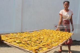 Bahan Baku Ikan Asin Sulit Didapatkan di Probolinggo