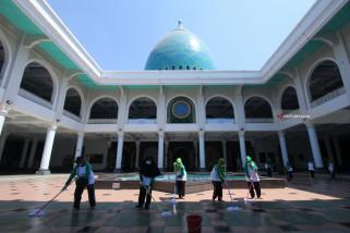 Gerakan Bersih-Bersih Masjid