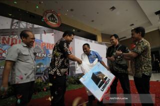 Semen Indonesia Beri Penghargaan Sopir Perusahaan Umroh