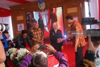 Bupati Kediri Haryanti Resmikan RSUD Simpang Lima Gumul