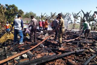Dua Rumah di Bojonegoro Terbakar Habis