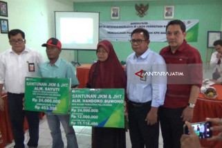 BPJS Ketenagakerjaan Madiun Serahkan Santunan JKM Rp75,5 Juta (Video)