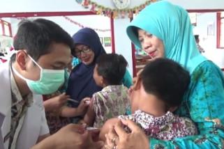Pemberian Vaksin Difteri di Madiun Sasar 163.489 Anak