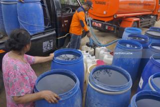 Pemkab Madiun Distribusikan Bantuan Air Bersih