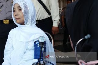 Sejumlah Jamaah Haji Tiba di Situbondo Sakit (Video)
