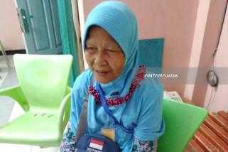 Nenek Penjual Nasi Aking Naik Haji