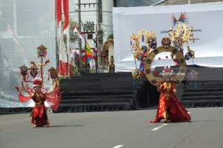 Jember Fashion Carnaval 2018 Dibuka dengan Simbol Pusaka Nusantara