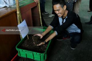 Surabaya Terapkan Teknologi BSF Kurangi Limbah Rumah Tangga