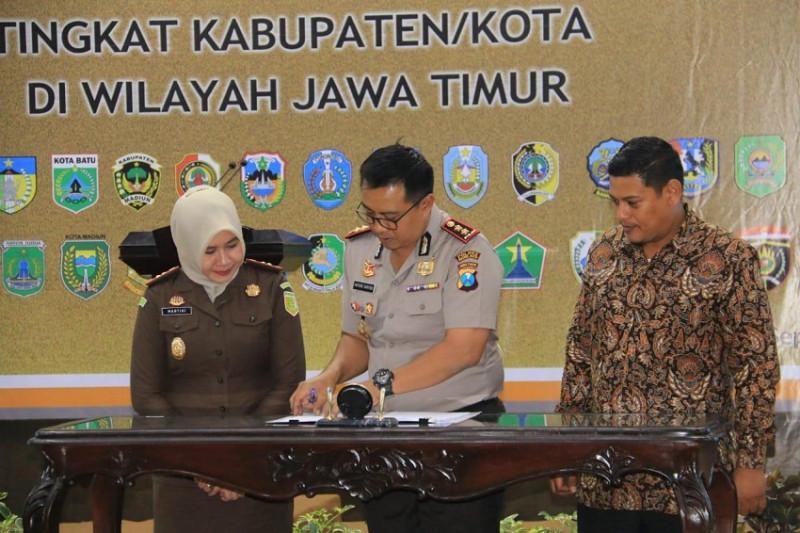 Wali Kota Kediri Tandatangani MoU Terkait Pedoman Pemerintahan