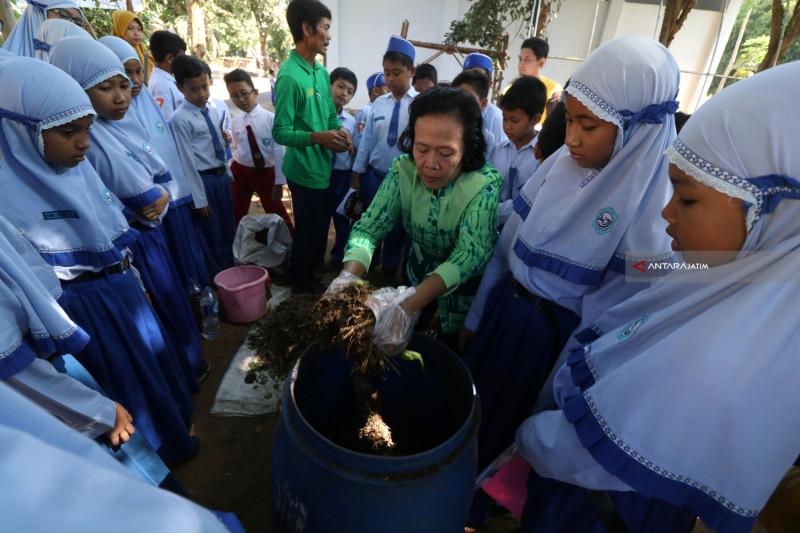 Edukasi Menjaga Lingkungan Hidup