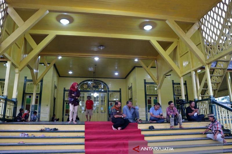 Istana Kodriyah Pontianak Cagar Budaya Yang Utuh