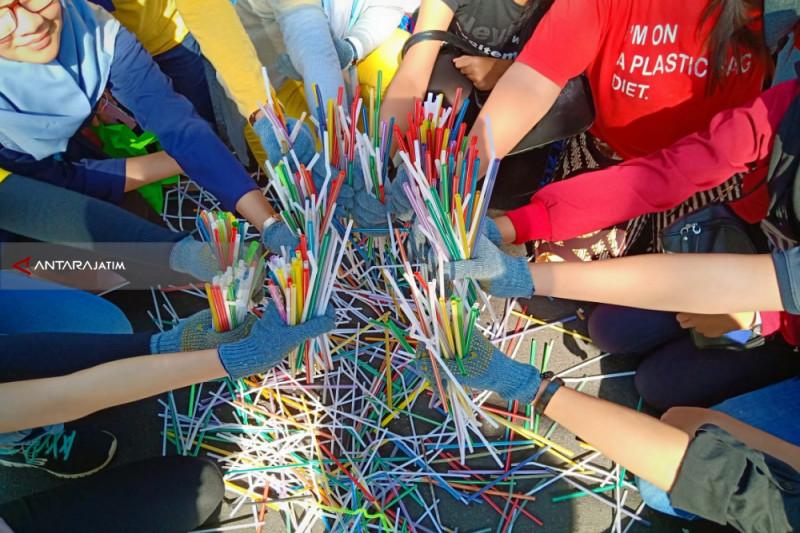 Plastics Make Up 37 Percent of Garbage Polluting Indonesian Seas