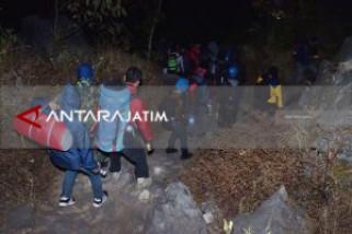 Kebakaran Gunung Lawu Padam Jalur Pendakian Masih Tutup