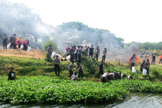 Wali Kota Kediri Ajak Warga Mau Bersihkan Sungai Brantas