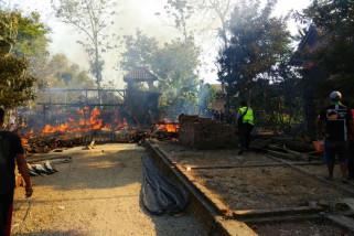 Rumah Warga di Ponorogo Terbakar