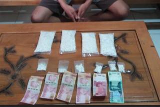 Polisi Ponorogo Sita Ribuan Pil
