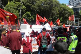 IMM Surabaya Tuntut Pemerintah Perbaiki Persoalan Ekonomi Nasional