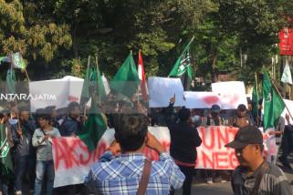 HMI Cabang Surabaya Tuntut Pemerintah Respons Permasalahan Ekonomi (Video)
