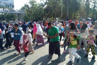 Ribuan Santri di Kediri Goyang Dayung