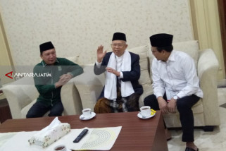 Bacawali Surabaya Fandi Utomo Keliling Media Selaraskan Visi Presiden-Gubernur
