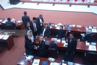 Rapat Paripurna DPRD Surabaya Sepakati Pencairan Gaji 13