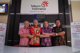 Pengenalan Institut Teknologi Telkom Surabaya