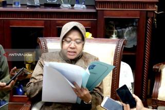 Risma Komitmen Hi-Tech Mall dan TRS jadi Pusat Kesenian Surabaya