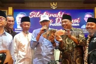 Dapat Sumbangan Spontanitas Warga Muhammadiyah Jatim, Sandi Akui Hatinya Tersentuh
