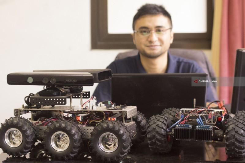 Poltek Malang Kembangkan Robot Pengumpul Informasi Perjalanan