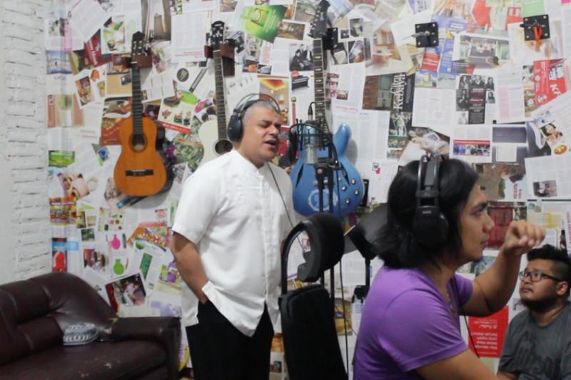 Haddad Alwi Rekaman Bersama Anak Berkebutuhan Khusus di Bojonegoro