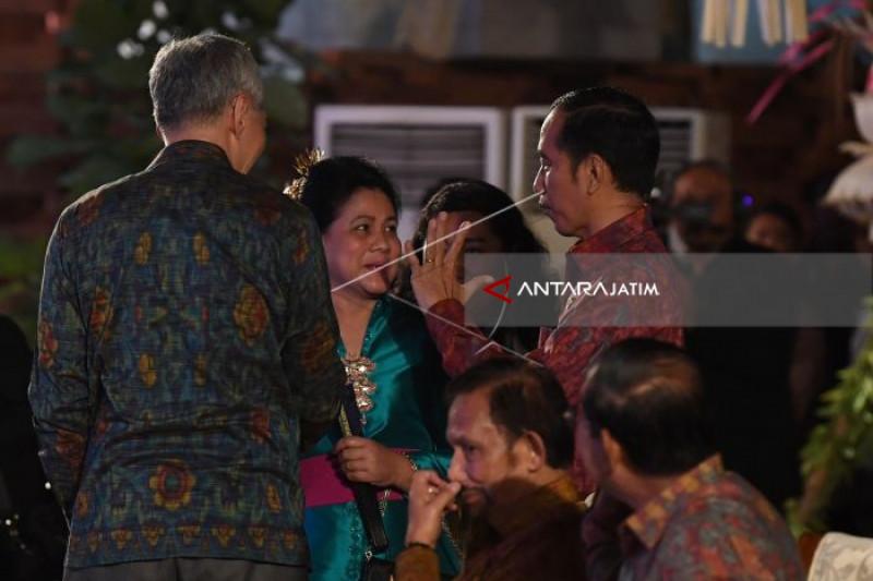 President Visits Tunjungan Plaza