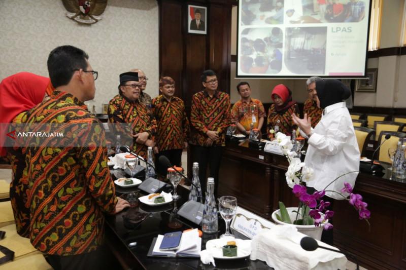 Risma Minta Anak-Anak Surabaya Tidak Dilibatkan Kampanye Politik