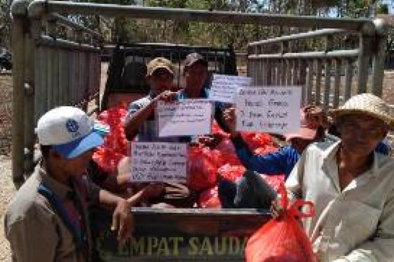 IKIP Budi Utomo Kirim Sembako Bagi Korban Gempa di Sapudi