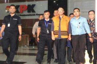 KPK Tahan Bupati Malang Rendra Kresna