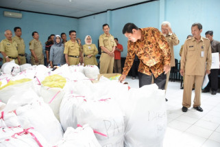Wali Kota Kediri Pantau Pengumpulan Bantuan Korban Bencana