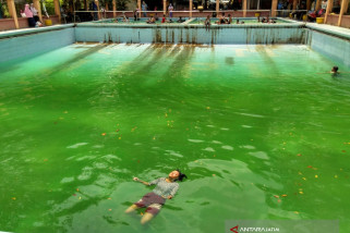 Debit Air Objek Wisata Prataan Tuban Berkurang