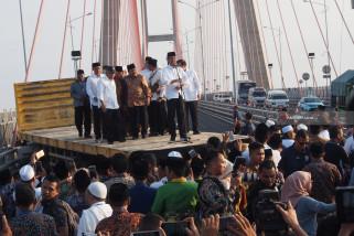 Jokowi Pasrahkan Nasib Penyeberangan Ujung-Kamal ke Gubernur